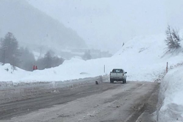Fornet road avalanche Val d'isere